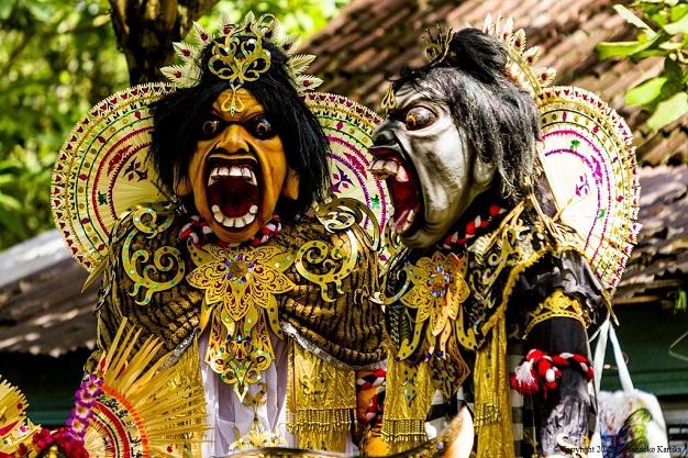 SharingOfferingArt#2_GoaGajah_TumpekKrulut_31Jan2015_06_AKARI costume.jpg