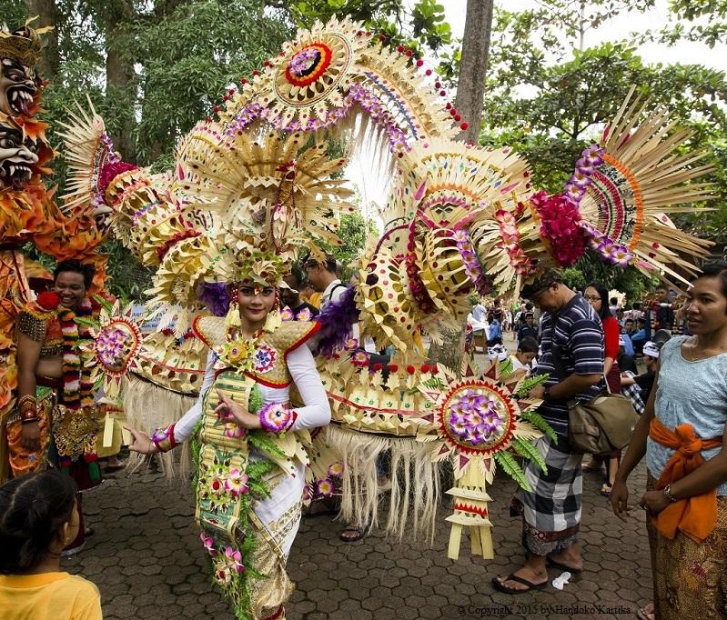 SharingOfferingArt#2_GoaGajah_TumpekKrulut_31Jan2015_05_AKARI costume.jpg