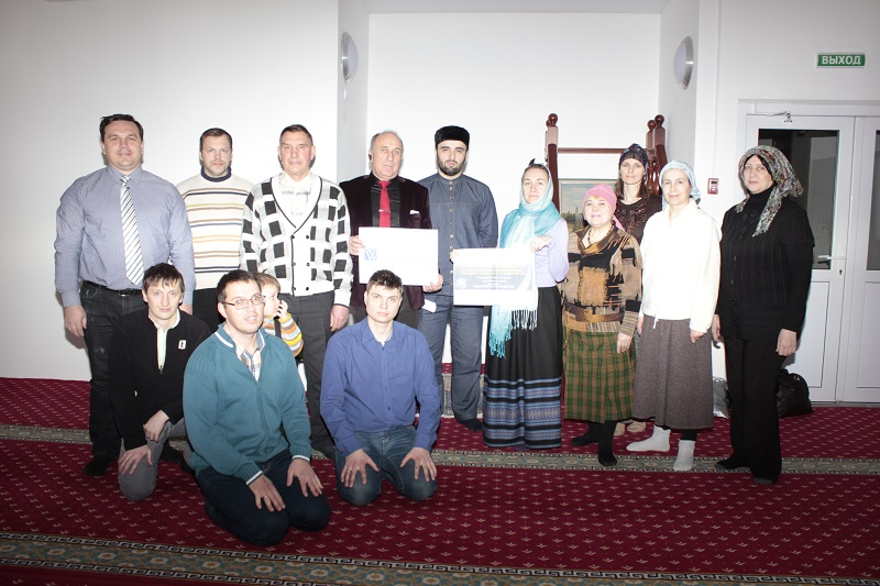 Соборная мечеть имени шейха Кунта-Хаджи Кишиева 4.JPG
