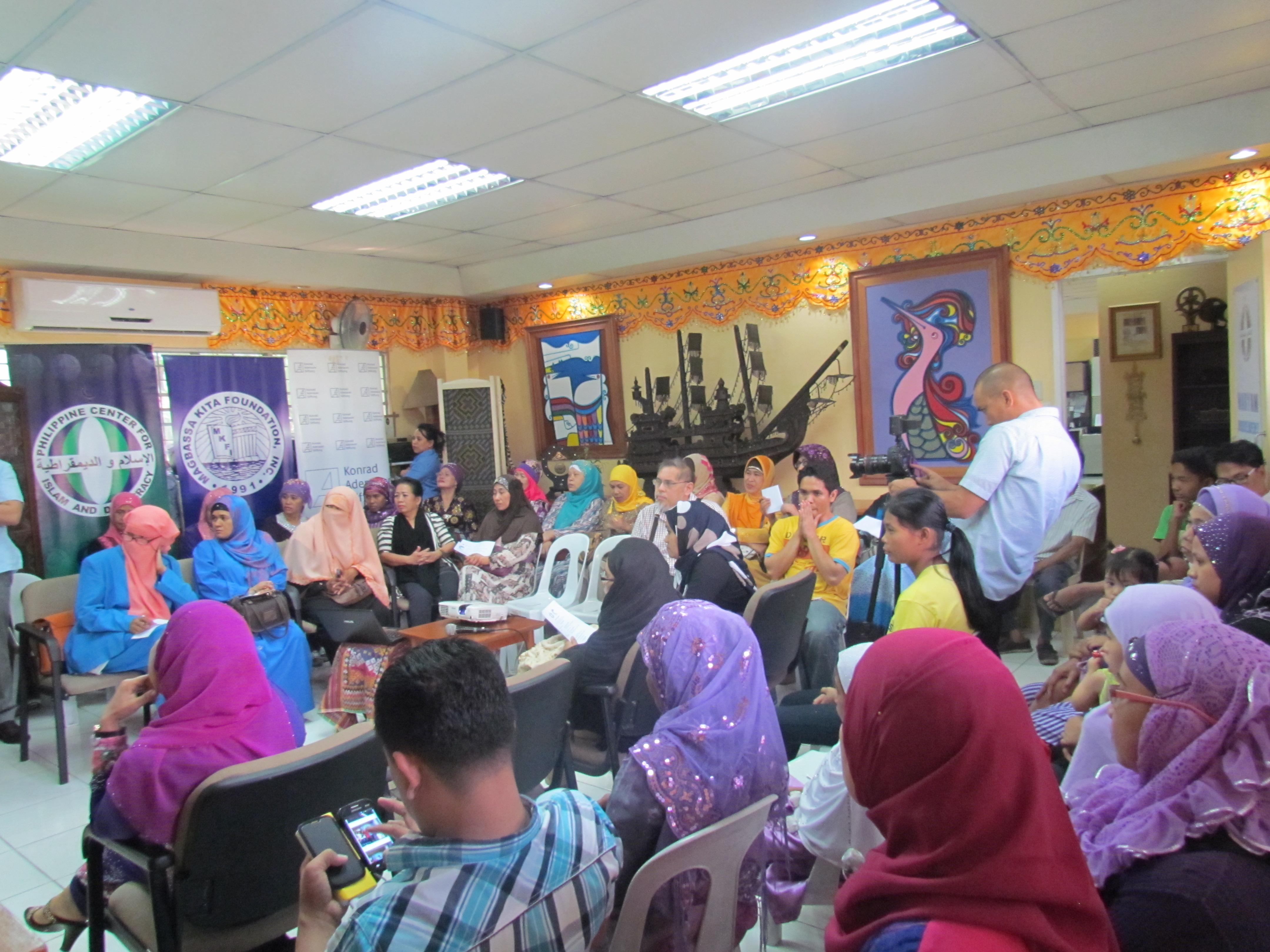 Maryam Movement Pledging (5).JPG