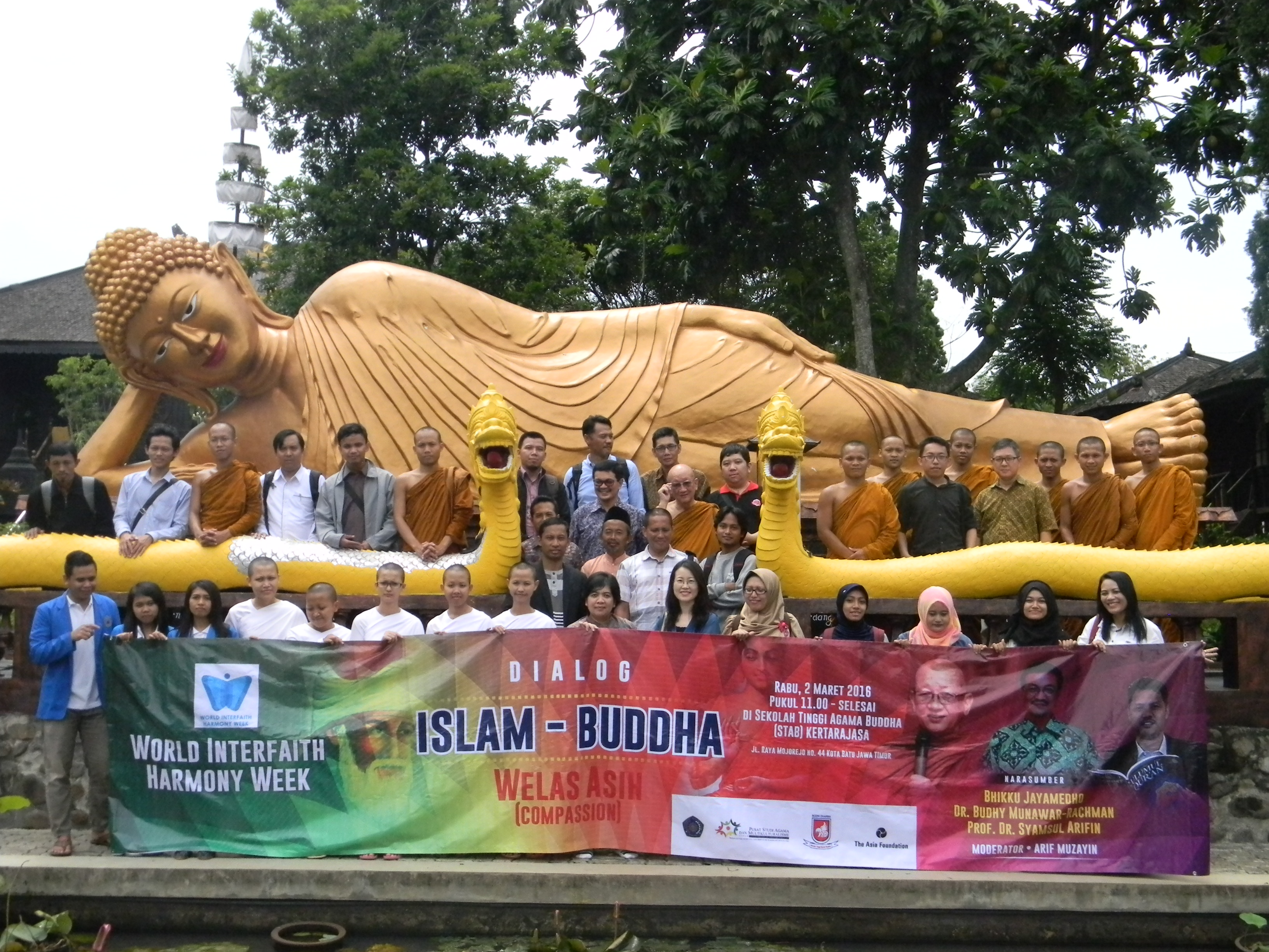 21 - Interfaith Dialogue at Buddhist Temple in Malang.JPG